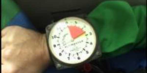 Altímetro que nos mostra a hora exata de saltar do avião!, Por Cristiane - SP